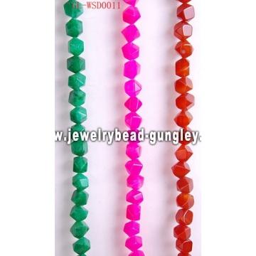 Joyería de piedras preciosas con color teñido