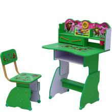 Silla y escritorio del estudiante popular de dibujos animados imagen