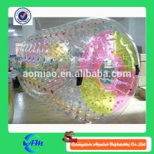 Fábrica transparente tpu inflável água rolo para adultos e crianças com pontos vermelhos