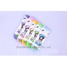 Calcetines lindos de algodón de niña de dibujos animados