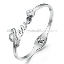 2015 nouvelle version coréenne de la qualité noble Zircon ouverture LOVE couleur en acier inoxydable bracelet cadeau en gros GH699