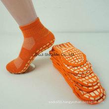 OEM Custom Sole Rubber Non Slip Trampoline Socks