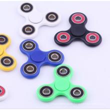 2017 Großhandel Kunststoff Finger Spielzeug Zappeln Spinner Fingertip Gyro mit Verschiedenen Farben
