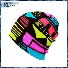 La venta caliente hizo punto los beanies slouch / la alta calidad modificó los sombreros hechos punto invierno de la gorrita tejida de la insignia