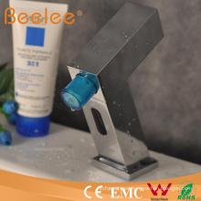 Novedad diseño automático sensor electrónico cuarto de baño grifo