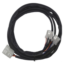 Montaje de cable de audio automotriz