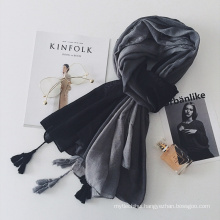 Factory direct sale lady fashion cotton gradient color muslim hijab scarf with tassel