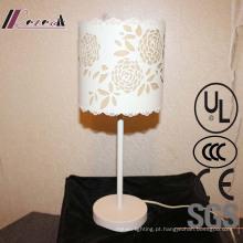 Candeeiro de mesa branco decorativo da cabeceira da forma da flor do ferro da sala de visitas
