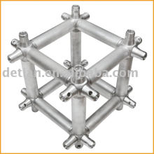 Multicubes, connecteur de truss pour le système de ferme de coupleur conique