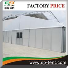 Winddichtes Outdoor-Partyzelt mit Tanzbodensystem 15x50m für 500 Personen in massiver Wand