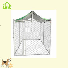 Chain link fence dog cage with customizable roof