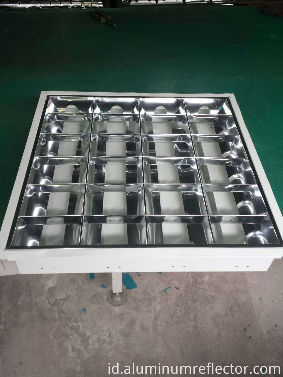led light reflector design