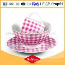 Vajilla de cerámica de porcelana 3pcs con la taza de porcelana de diseño de puntos
