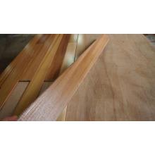 Plafond en bois de cèdre rouge