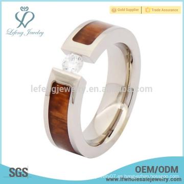 Anillo de madera de titanio del dedo anular de la boda, anillo titanium de plata con el embutido de madera