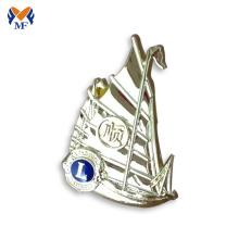 Emblema feito sob encomenda do pino do leão do veleiro com chapeamento de ouro