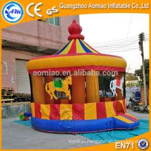 Mais recente design merry-go-round estilo casa comercial bounce, bouncer inflável bebê com mosquiteiro