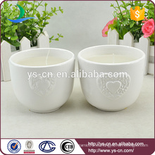 Soporte de vela de cerámica blanco del diseño del corazón cariñoso para la boda
