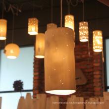 Lámpara colgante de porcelana con orificio pequeño