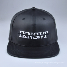 Black Snapback em couro preto personalizado