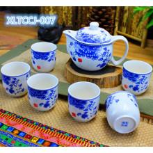 Ensemble de thé en porcelaine