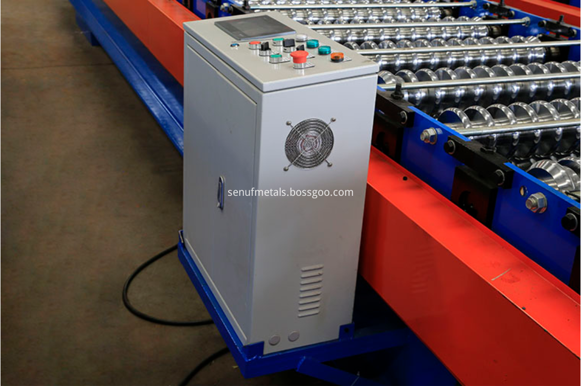 Corrugated roof sheet forming machine PLC control system