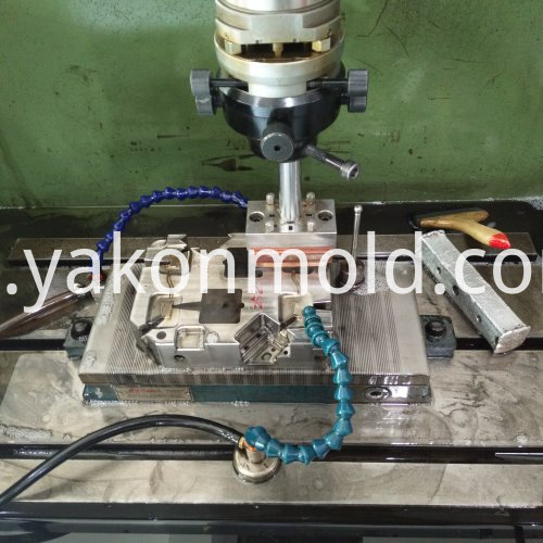 Windshield injection Moulds