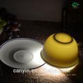 Кафе гостиной бытовой керамической чашки и блюдца костюм