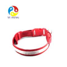 Produits pour animaux de compagnie de colliers de harnais de chien d'éclairage LED en polyester et laisse pour animaux de compagnie