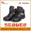 Sapatos de segurança de inverno resistentes a produtos químicos com forro de pele artificial RS820