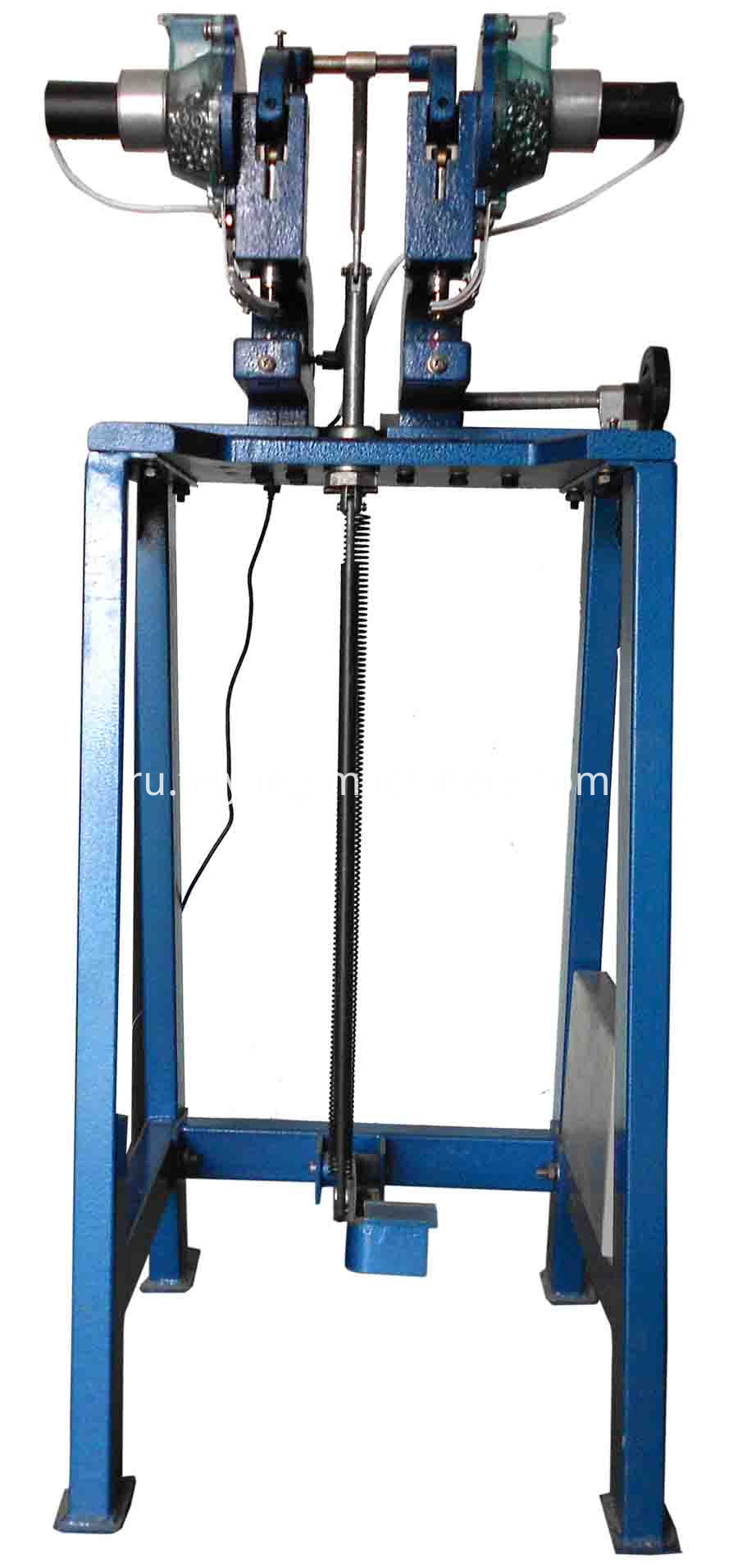 double head pedal eyelet machine