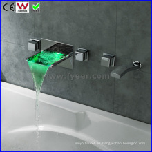 Grifo de bañera LED para bañera y ducha con montaje en pared (FD15302WF)