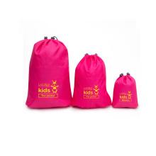 bolsa de satén con brocado de seda