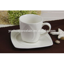 China fabrica qualidade hight caneca de porcelana branca e pires conjunto