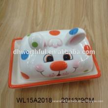Plato de mantequilla de cerámica pintado a mano con diseño de conejo para vajilla