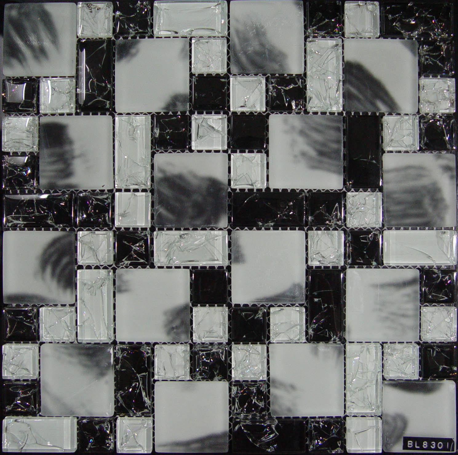 Fashion Black Scrawl Cracked Glass Mosaic