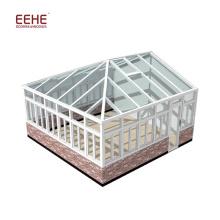The irregular shaped sun room/glass room/glass house
