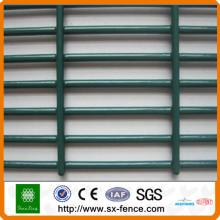 mur de sécurité de clôture de fil
