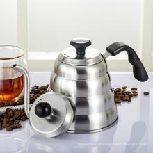 Café pote de gotejamento e chaleira com termômetro