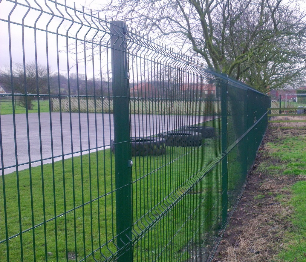 welded mesh panels with RHS post