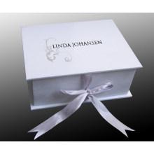 Caixa de Presente com Alça e Logotipo do Comprador