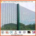 L'anti barrière de sécurité enduite de barrière de montée lambrisse la clôture de haute sécurité
