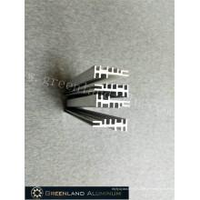 Aluminiumprofile durch Tiefbearbeitung