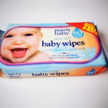 Lingettes pour bébé sûres et sans alcool