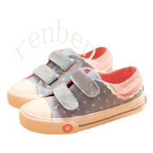 Hot New Arriving Fashion Children′s Casual Canvas Shoes