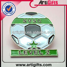 2014 Newest fashion metal soccer pin badges