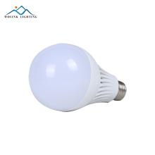 O bulbo smd 2835 e27 da emergência de poupança de energia do preço competitivo 5w 7w 9w 12w 15w 18w conduziu a luz