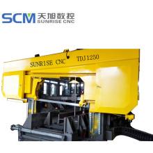 Drehwinkel der CNC-Bandsägemaschine