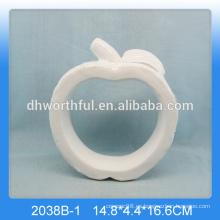 Decoración hecha a mano de la manzana de cerámica, decoración blanca de la manzana de la porcelana para la decoración casera