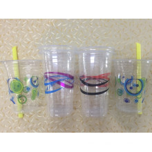 Пластиковый стаканчик для холодных напитков